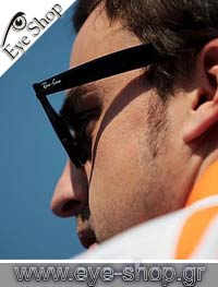 Formula 1 Pilot Ferrari - Fernando Alonso - wearing RayBan sunglasses model 2140 Wayfarer color 12943M