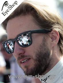 Nick Heidfeld  Formula 1 driver wearing Rayban folding sunglasses model 4105 Folding Wayfarer color 601S Folding