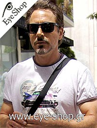 Robert Downey JR wearing sunglasses Oakley holbrook 9102