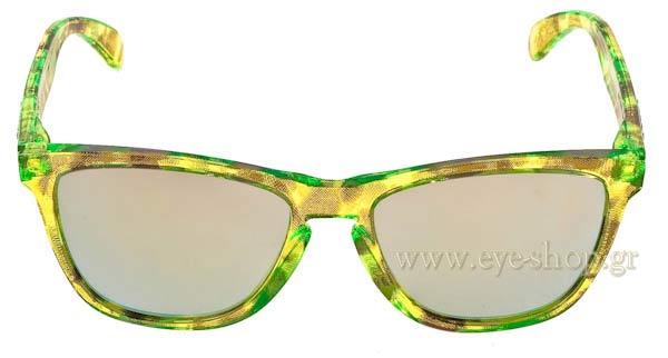 f32888e699 Frame Color Acid Tortoise Green - Lenses Color Emerald Iridium. Oakley  model Frogskins 9013 color 24-310 ...