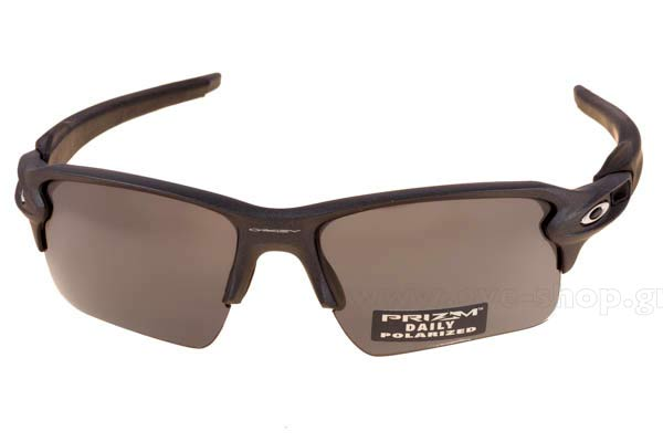 31f75a50518 Frame Color Steel Dark Grey - Lenses Color gray PRIZM® DAILY POLARIZED  Lenses. Oakley model FLAK 2.0 XL ...